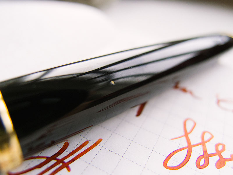 fountain-pen-lacquer-chip