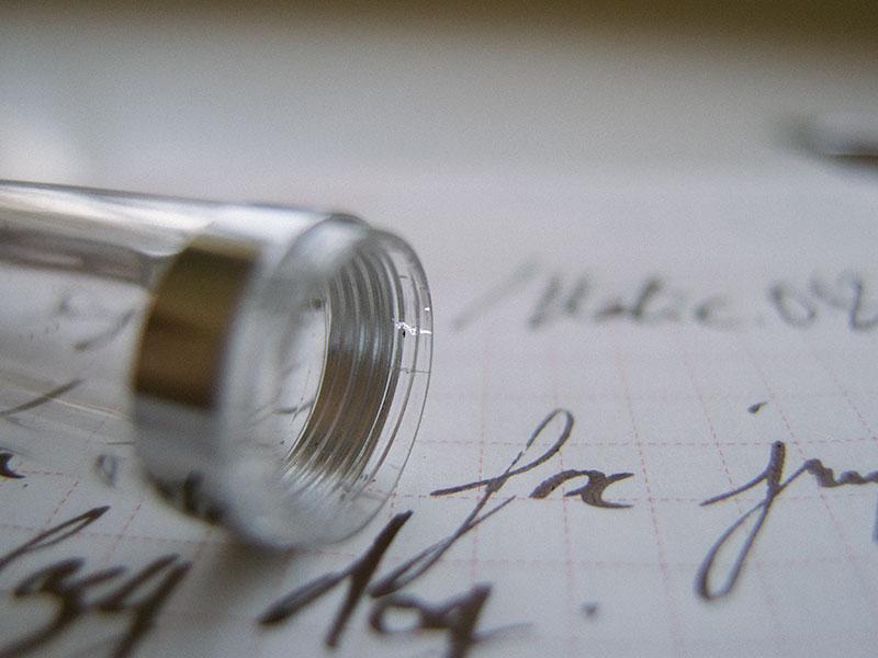 fountain-pen-cracked-plastic